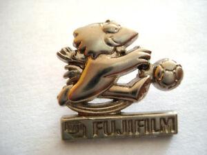 PINS-FUJIFILM-FOOTIX-COUPE-DU-MONDE-FOOTBALL-ARTHUS-BERTRAND-FOOT