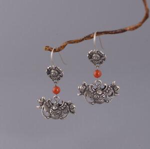 I05-Ohrring-Fledermaus-aus-Silber-925-mit-Kugel-aus-rotem-Achat