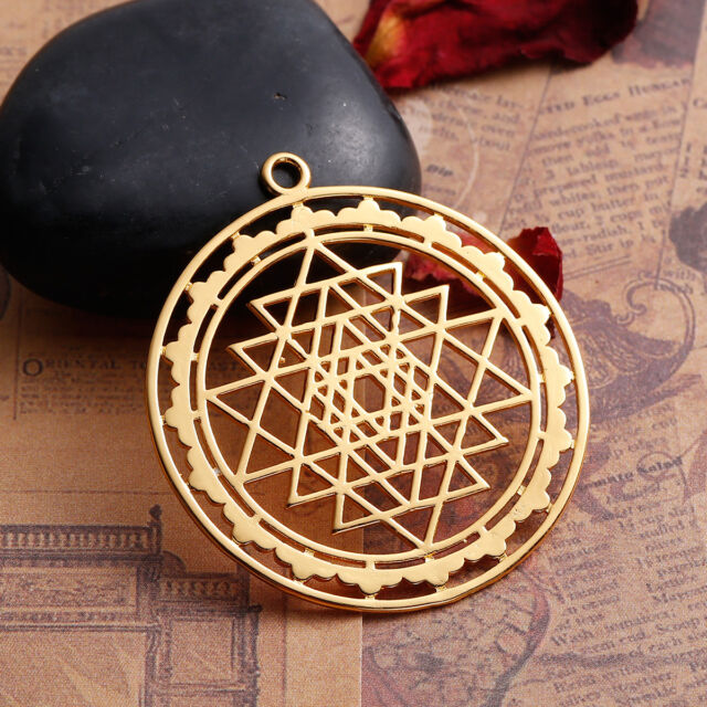 1pc Gold Plated Hollowed Sri Yantra Pendant Necklace Jewelry 4 5x4cm
