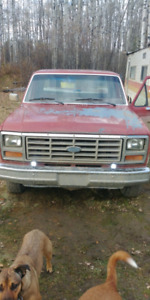 2wd 300 6 1986 F-150 $1200 o.b.o (Will look at trades)