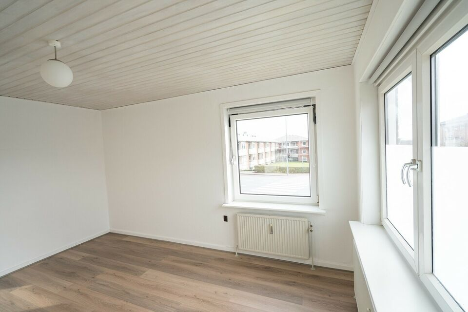 9800 vær. 2 lejlighed, m2 63, Tørholmsvej