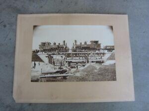 Alte Fotografie vor 1900, 2x Dampflok mit Brückenbau, 22cm x 15cm