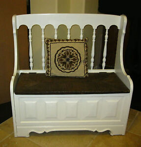 Magnificent Details About Vintage Tallback White Rush Bench Settee W Spindles Storage French Country Creativecarmelina Interior Chair Design Creativecarmelinacom