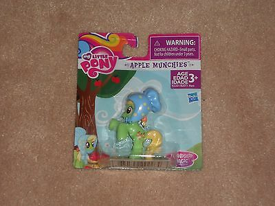 NEW, MY LITTLE PONY FRIENDSHIP IS MAGIC MINI PONY FIGURE, APPLE MUNCHIES