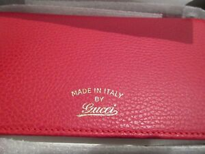 c63a9d177b1c02 NEW Gucci 368231 Red Leather Trademark Logo Swing Crossbody Wallet ...