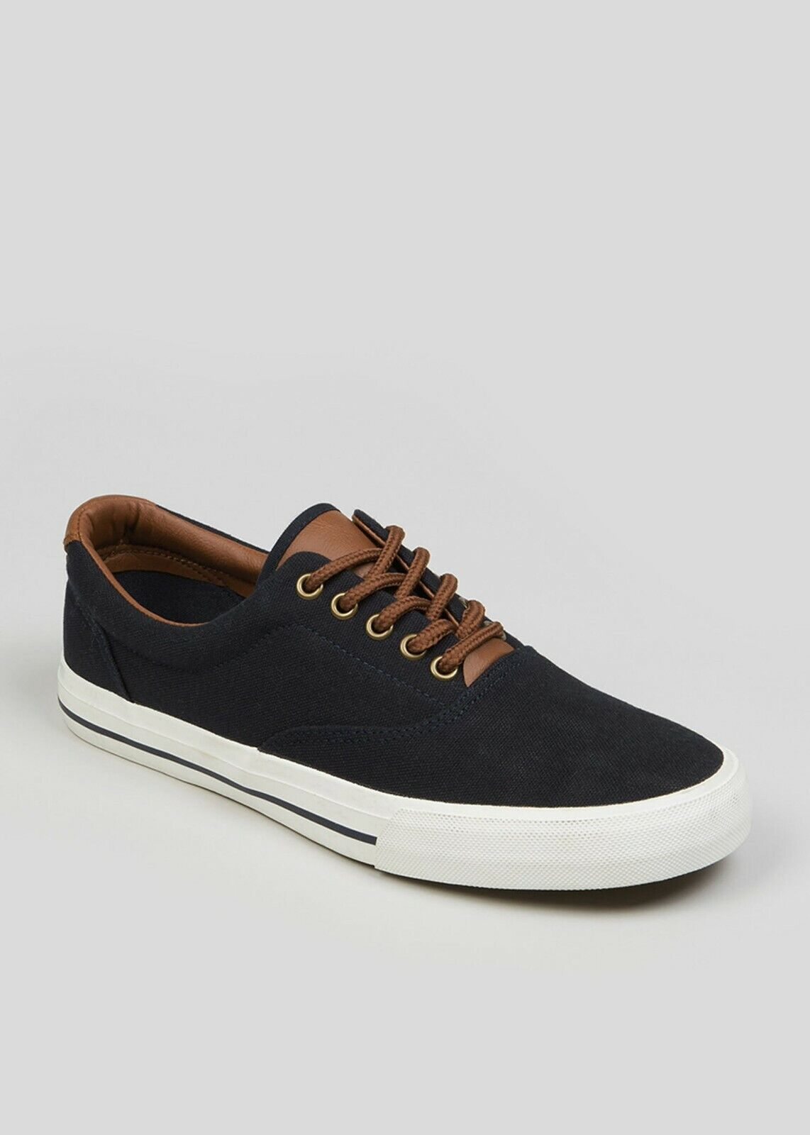 Men's Authentic Casual Footwear, Navy Plimsolls size 11/45.