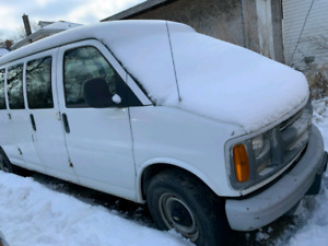 2002 Chevy Express 12 person van