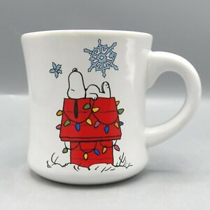 Peanuts-Snoopy-Doghouse-Coffee-Mug-Charlie-Brown-Christmas-Tree-Lights-Vandor