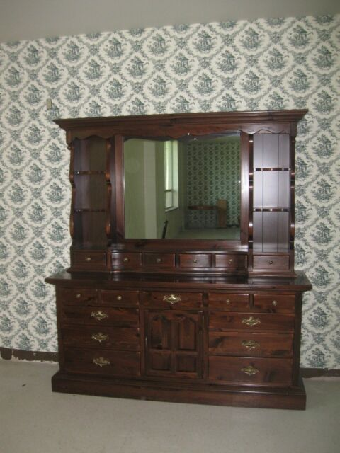 Ethan Allen Antiqued Old Tavern Pine Triple Dresser With Mirrored Hutch Top