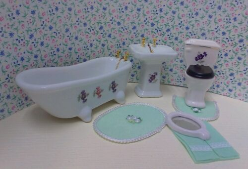 Dollhouse1:12 bath set tub/toilet & sink w/mirror. Inc green towels & rug set