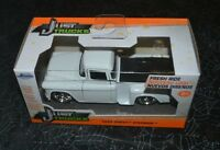 Jada Just Trucks 1955 Chevy Stepside White 1:32 Scale