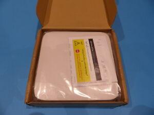 RUCKUS-ZONEFLEX-R700-DUAL-BAND-802-11AC-802-3AF-POE-INDOOR-AP-901-R700-US00