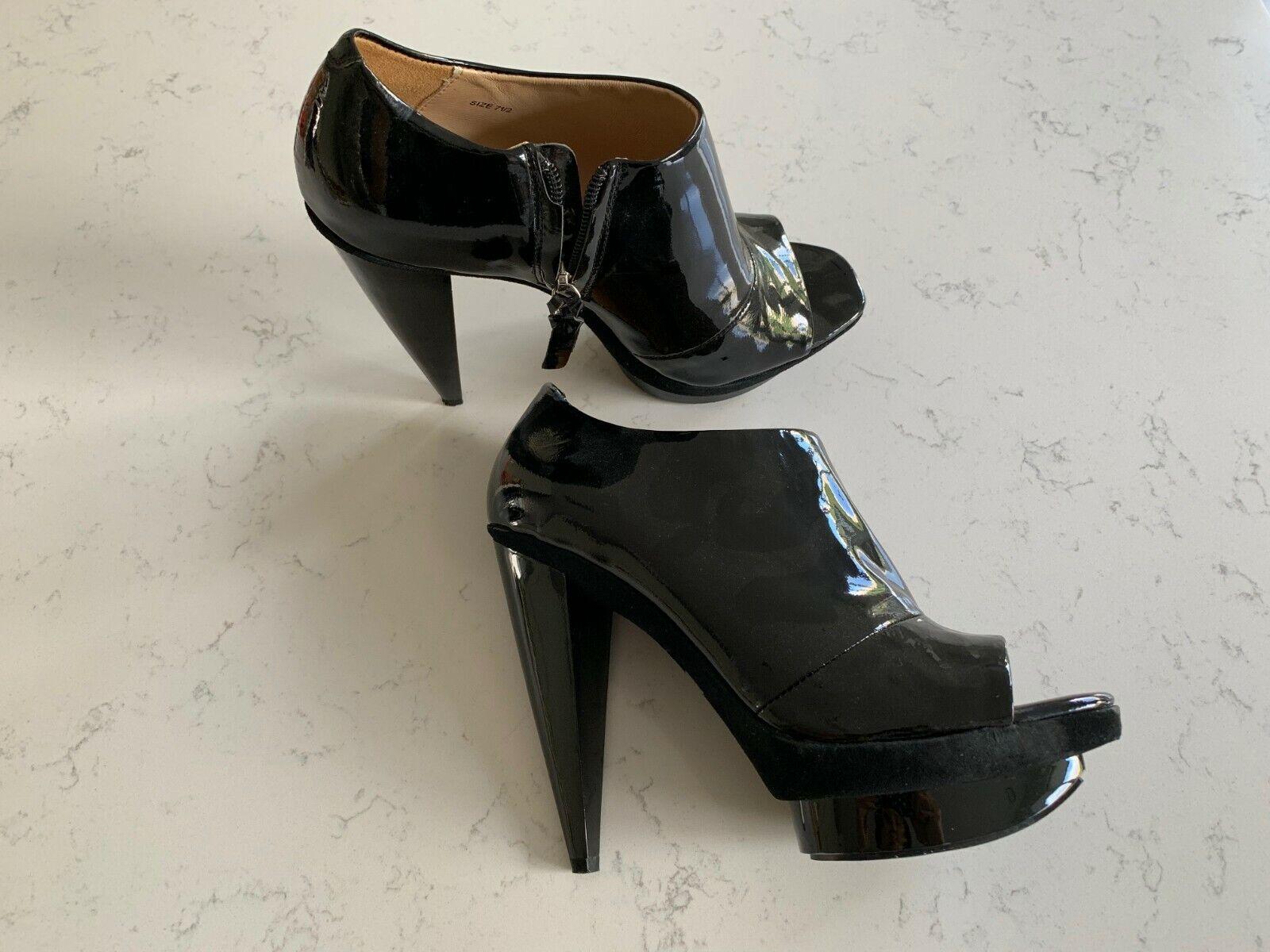 Nouveau Pour La Victoire Noir Cuir verni talons hauts à plate-forme Escarpins Taille  7.5