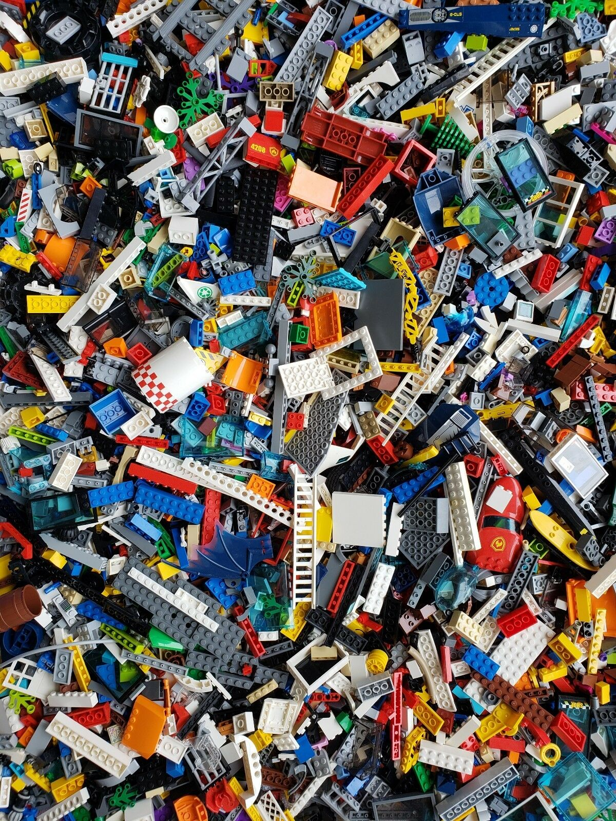 LEGO Lot 8 Pounds Bulk Lot w/ Mini -Figures Cleaned 100% Genuine & Guaranteed