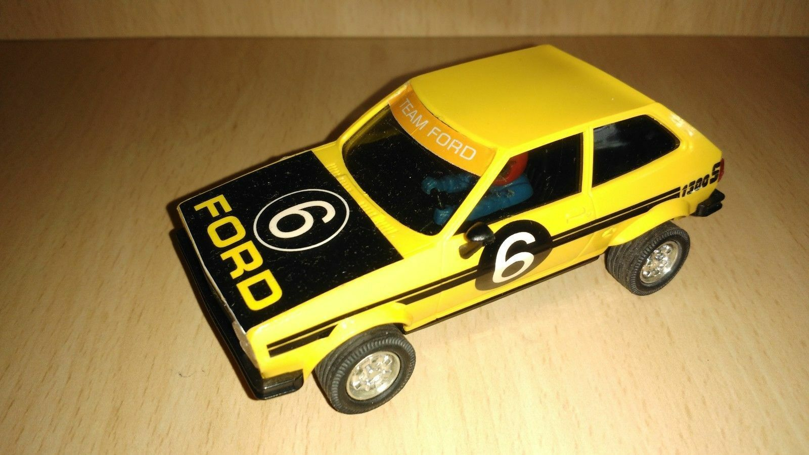 Scalextric ford fiesta yellow original 1980 year