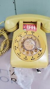 Vintage-Bell-System-Western-Electric-Yellow-Rotary-Dial-Desk-Phone
