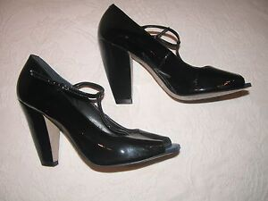 BETTY JACKSON STUDIO BLACK PATENT LEATHER T BUCKLE  BLOCK HEEL OPEN TOE SHOE 41