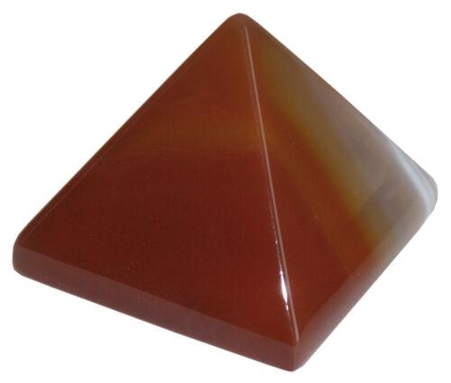 Attire l/'abondance et la chance Pyramide en Cornaline