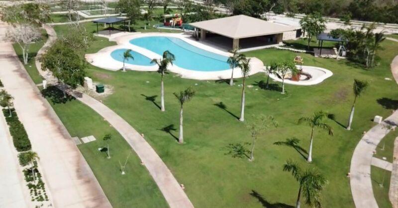 Terreno en Venta en  Yucatán Country Club Privada Oasis al Norte de Mérida