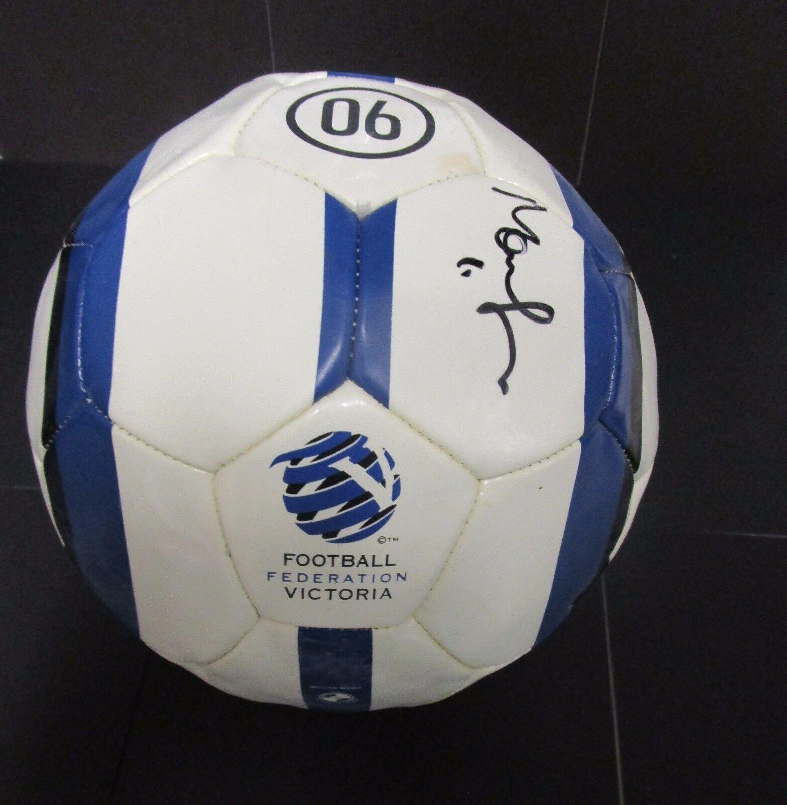 Australia-Mark negroer mano firmada federación de fútbol fútbol victoria
