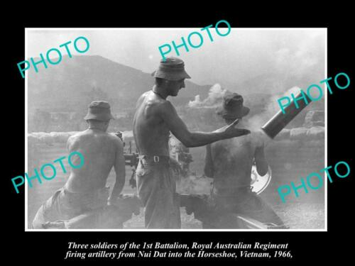 6x4 HISTORIC PHOTO OF AUSTRALIAN MILITARY, 1st BATTALION VIETNAM NUI DAT 1966