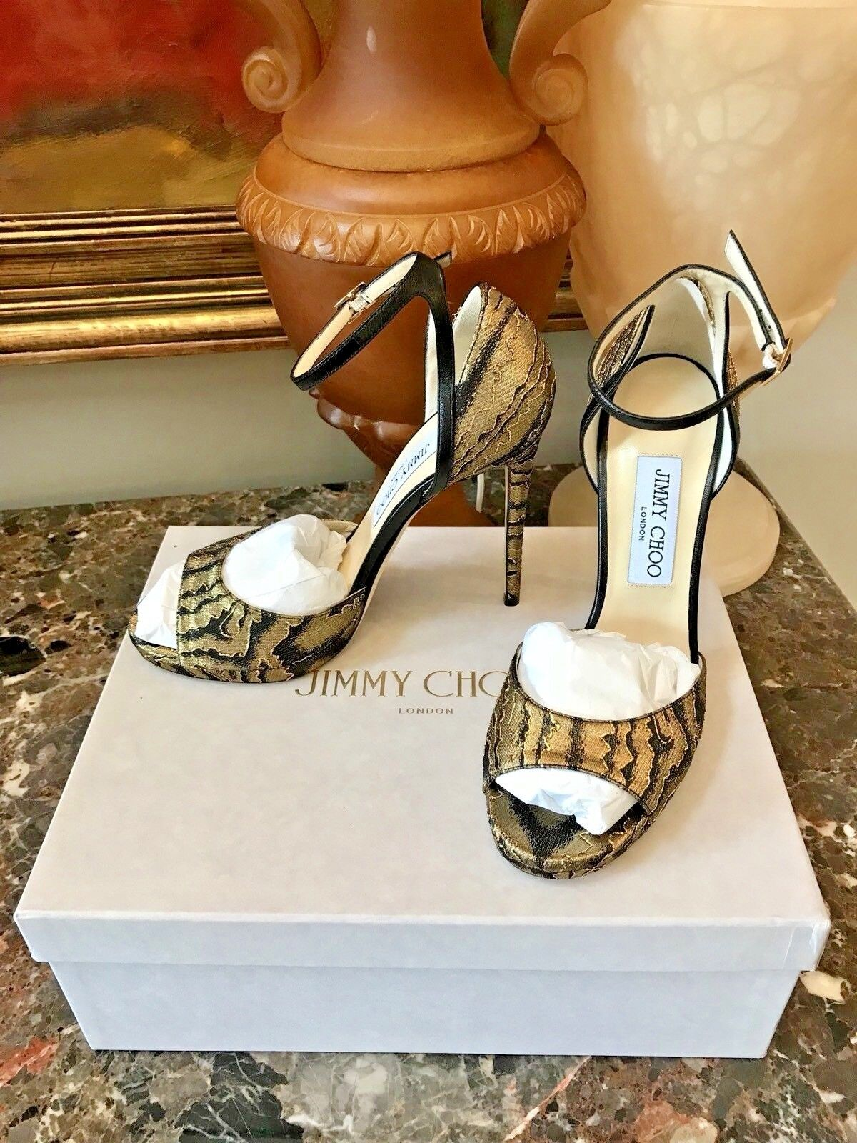 nuovo di marca NIB NIB NIB Jimmy Choo Metallic Pearl Moire Ankle Sandal  795 - 38.5  risparmia il 35% - 70% di sconto