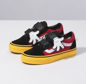 05a5a3769b Vans x Disney Old Skool V Mickey Mouse Hug Black Red Yellow Toddler ...
