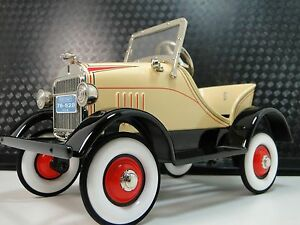 Pedal-Car-1920-Ford-Vintage-T-Metal-Collector-READ-DESCRIPTION-Length-6-Inches