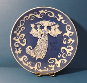 Royal Copenhagen Blue Mother's Day Plate 1972 - Mors Dag Plate 6""