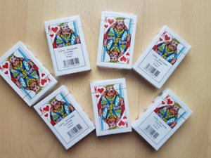 Russische Spielkarten mit 54 KartenKaufen Sie 2+1 und erhalten Sie einGESCHENK!