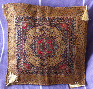Turkish-Ottoman-Silk-Ceramic-Tapestry-Pillow-Cushion-Hand-Made-Zippered-Velvet-3
