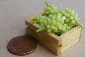 1:12 Scale Crate Of 6 Green Grape Bunches Tumdee Dolls House Miniature Fruit