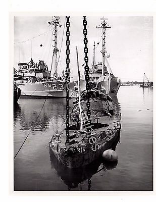 File:US Navy 060130-N-3019M-007 The rescue and salvage ... |Navy Salvage Ships