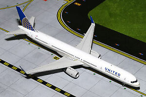 GEMINI200 United Airlines Boeing 757-300 G2UAL498 1/200, REG# N75858. New