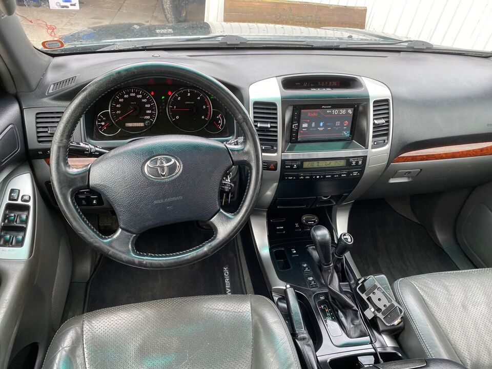 Toyota Land Cruiser, 3,0 D-4D Luxus aut., Diesel