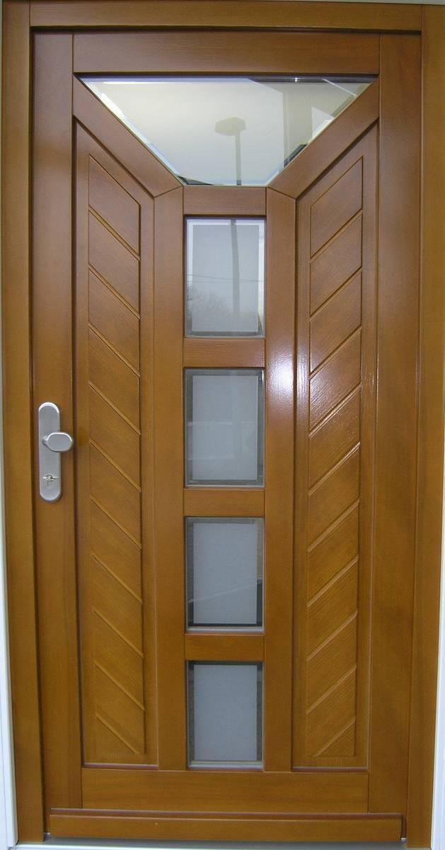 Massive individuell hergestellte Haustür in Holz