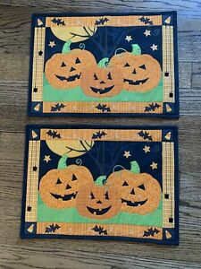 Set-Of-2-Black-Orange-CHECKED-Quilted-Bats-Jack-O-Lantern-HALLOWEEN-PLACEMATS