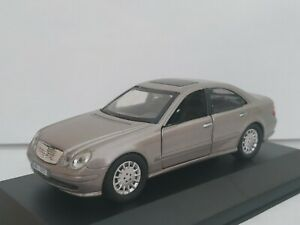 1-43-MERCEDES-BENZ-CLASE-E-W211-E320-E270-COCHE-METAL-A-ESCALA-SCALE-CAR-DIECAST