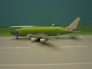 DRAGON-WINGS-BOEING-747-400LCF-034-LARGE-CARGO-FREIGHTER-034-1-400-SCALE-DIECAST-MODEL