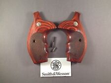 SMITH & WESSON ROSEWOO  COMBAT GRIPS FOR N FRAME S & W ROUND BUTT REVOLVERS.