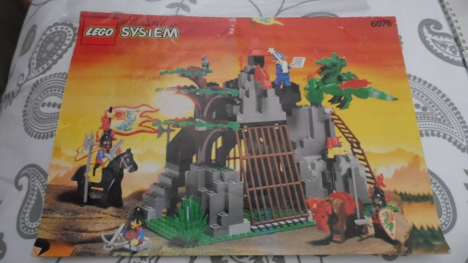 Lego Castle 6076 - Dark Dragons Den Complete with Instructions