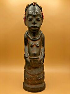 Vintage-Congolese-Hand-Carved-Wooden-Figure-with-Bead-amp-Shell-Accents