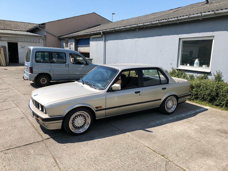 BMW 325i 2,5  4d - 127.800 kr.