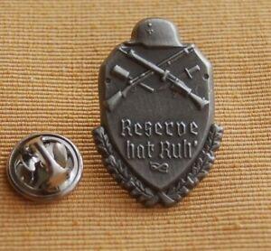Reserve-hat-Ruh-Stahlhelm-Gewehr-Messer-Pin-Button-Badge-Anstecker-386