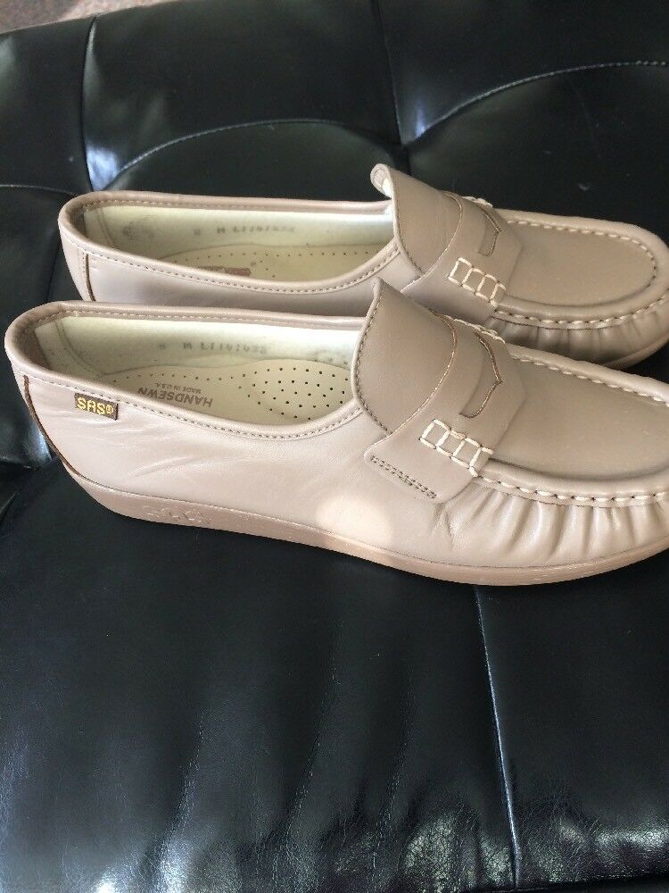 SAS BEIGE LEATHER LOAFERS SLIP ONS HAND SEWN COMFORT SHOES US WOMENS SZ 8 M