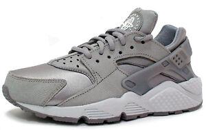 f3b62313f6030 Nike WOMENS HUARACHE RUN PRM SUEDE 833145-002  MEDIUM GREY WHITE  sz ...