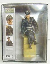 Fertigfigur Panzerkommandant sitzend, Torro,1:16, *Neu*