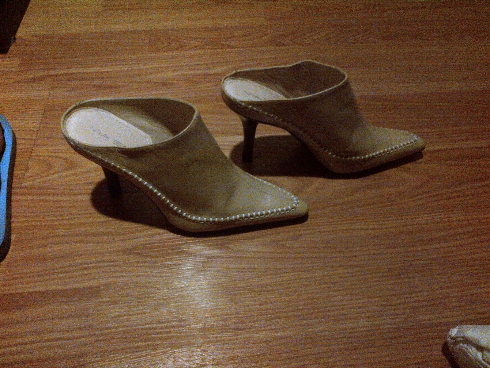 NWB BEAUTIFUL LEATHER VIA SPIGA SPIGA SPIGA CREAM MULES - SIZE 6.5 5ee609