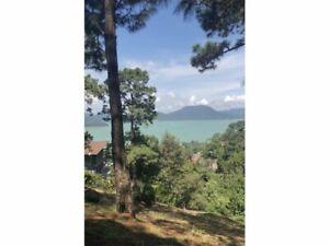 Terreno en venta con vista al lago