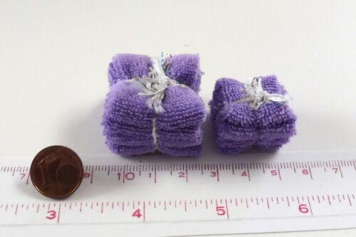 M 1zu12 Puppenstube 7107# Badetücher und Handtücher flieder Puppenhaus